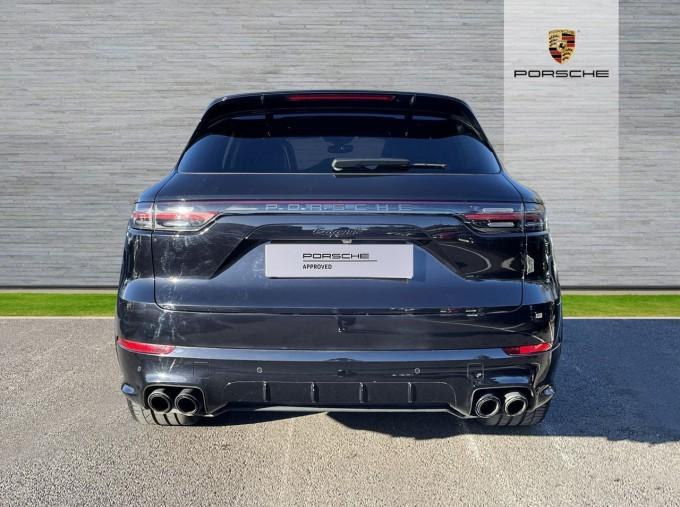 2019 Porsche V6 Tiptronic 4WD 5-door (Black) - Image: 7
