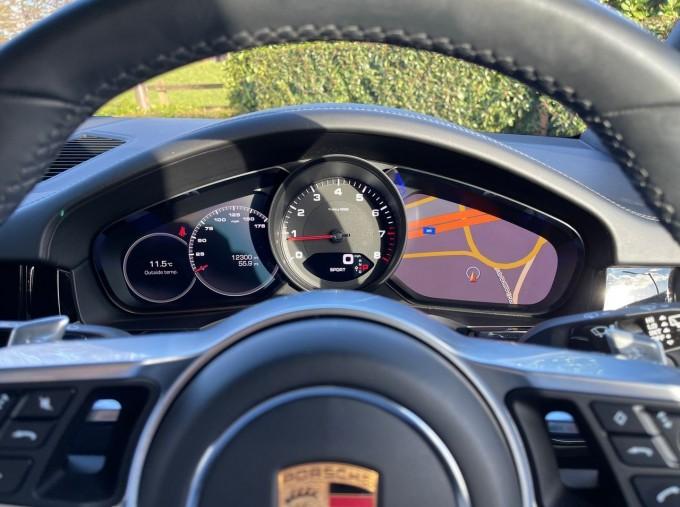 2019 Porsche V6 Tiptronic 4WD 5-door (Black) - Image: 8