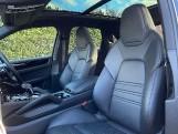 2019 Porsche V6 Tiptronic 4WD 5-door (Black) - Image: 14