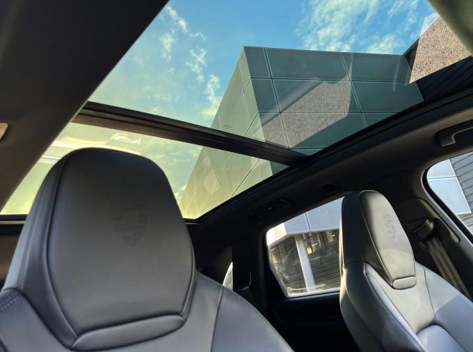 2019 Porsche V6 Tiptronic 4WD 5-door (Black) - Image: 20