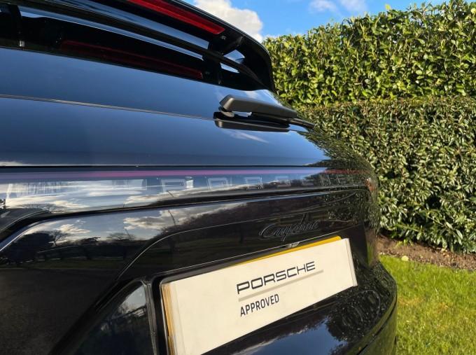 2019 Porsche V6 Tiptronic 4WD 5-door (Black) - Image: 21