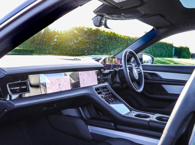 2021 Porsche 93.4kW Performance Auto 4-door (Black) - Image: 3