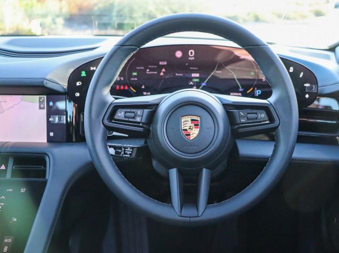 2021 Porsche 93.4kW Performance Auto 4-door (Black) - Image: 8