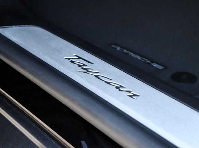 2021 Porsche 93.4kW Performance Auto 4-door (Black) - Image: 22
