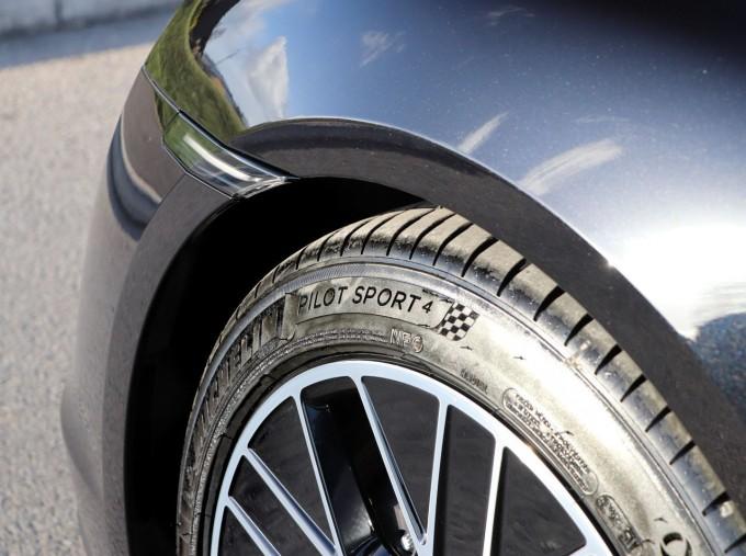 2021 Porsche 93.4kW Performance Auto 4-door (Black) - Image: 24