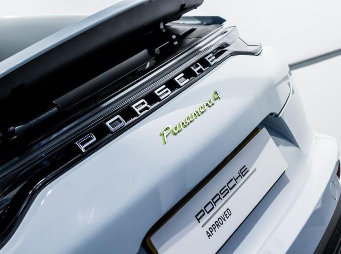2021 Porsche V6 E-Hybrid 14kWh 4 PDK 4WD 4-door (White) - Image: 8