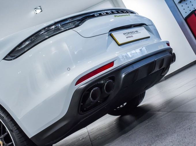 2021 Porsche V6 E-Hybrid 14kWh 4 PDK 4WD 4-door (White) - Image: 13