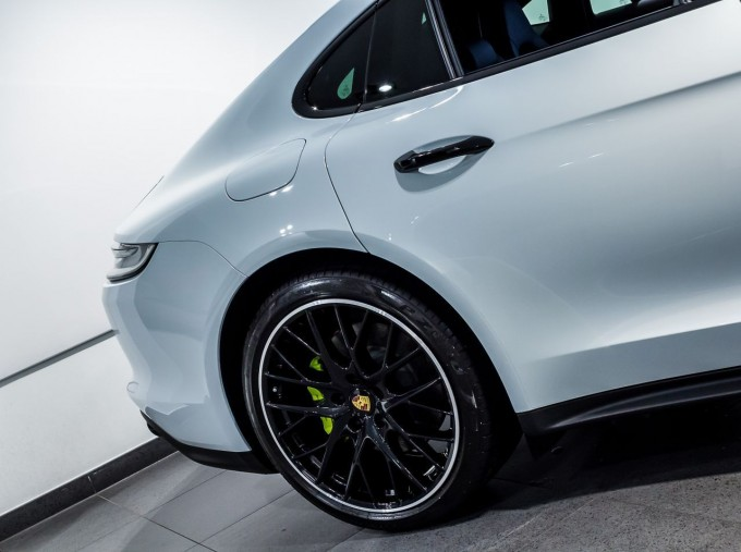 2021 Porsche V6 E-Hybrid 14kWh 4 PDK 4WD 4-door (White) - Image: 15