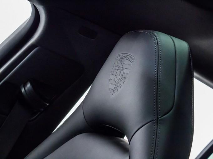 2021 Porsche V6 E-Hybrid 14kWh 4 PDK 4WD 4-door (White) - Image: 25
