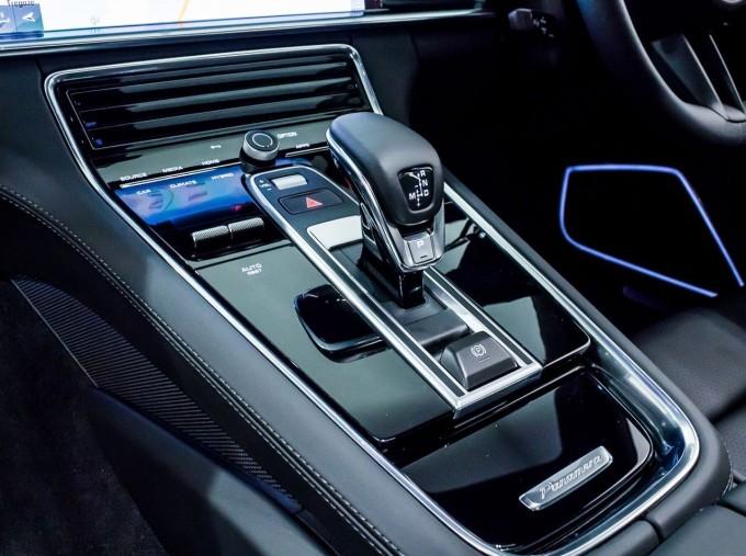 2021 Porsche V6 E-Hybrid 14kWh 4 PDK 4WD 4-door (White) - Image: 26