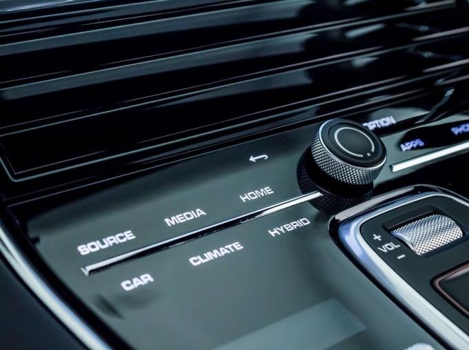 2021 Porsche V6 E-Hybrid 14kWh 4 PDK 4WD 4-door (White) - Image: 28