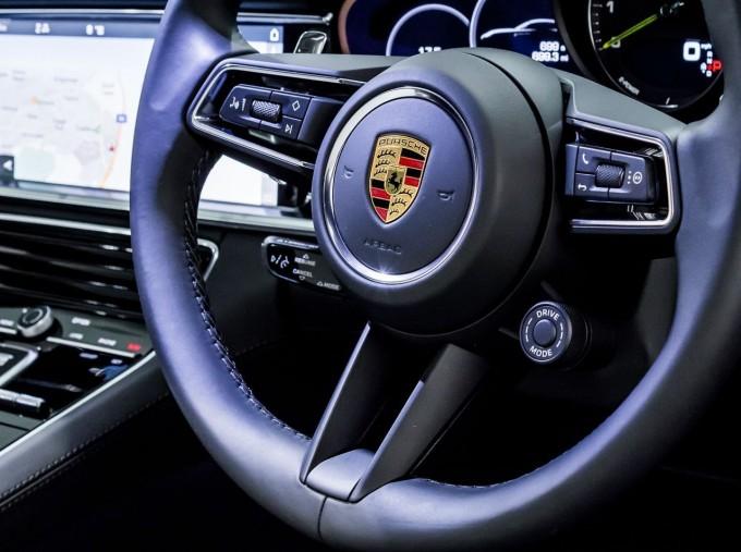 2021 Porsche V6 E-Hybrid 14kWh 4 PDK 4WD 4-door (White) - Image: 31