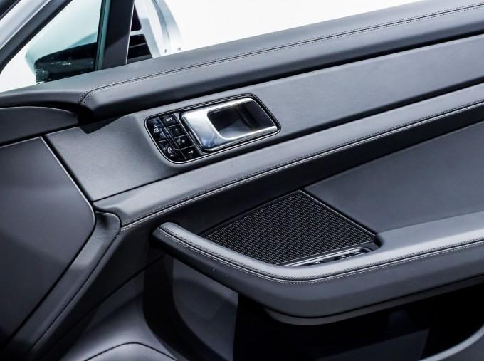 2021 Porsche V6 E-Hybrid 14kWh 4 PDK 4WD 4-door (White) - Image: 33