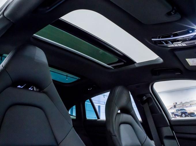 2021 Porsche V6 E-Hybrid 14kWh 4 PDK 4WD 4-door (White) - Image: 37