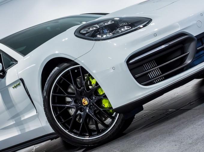 2021 Porsche V6 E-Hybrid 14kWh 4 PDK 4WD 4-door (White) - Image: 38