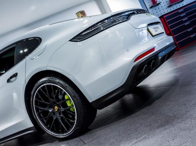 2021 Porsche V6 E-Hybrid 14kWh 4 PDK 4WD 4-door (White) - Image: 39