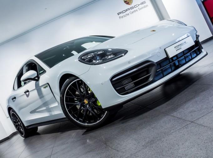2021 Porsche V6 E-Hybrid 14kWh 4 PDK 4WD 4-door (White) - Image: 42