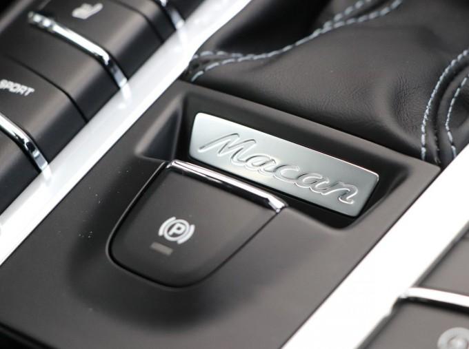 2020 Porsche V6 S PDK 4WD 5-door (Blue) - Image: 22