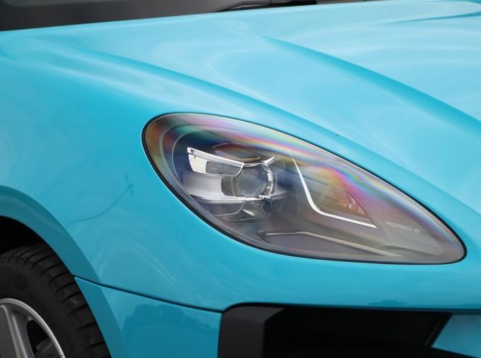 2020 Porsche V6 S PDK 4WD 5-door (Blue) - Image: 32