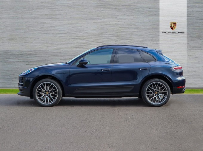 2021 Porsche PDK 4WD 5-door (Blue) - Image: 5