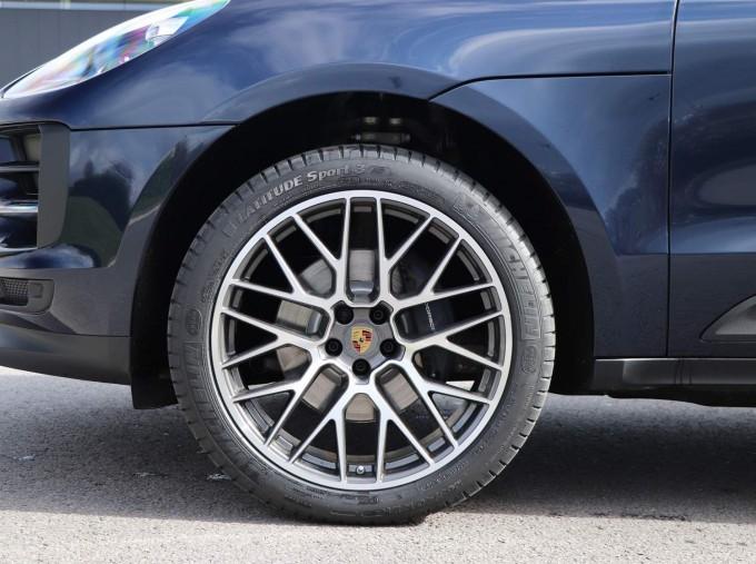 2021 Porsche PDK 4WD 5-door (Blue) - Image: 24
