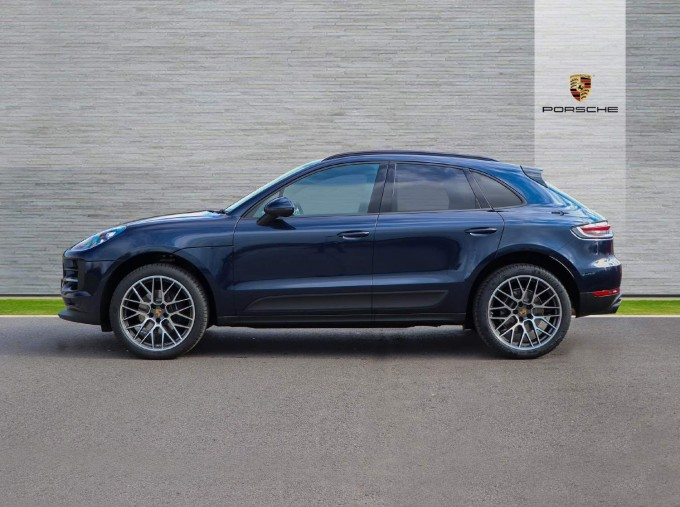 2021 Porsche PDK 4WD 5-door (Blue) - Image: 25