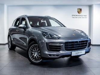 2016 Porsche Cayenne V8 TURBO TIPTRONIC S 5-door
