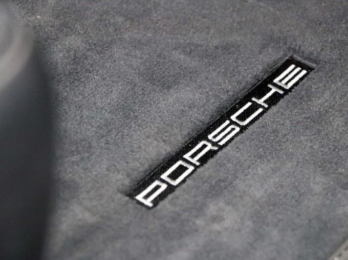 2018 Porsche PDK 2-door (Silver) - Image: 21