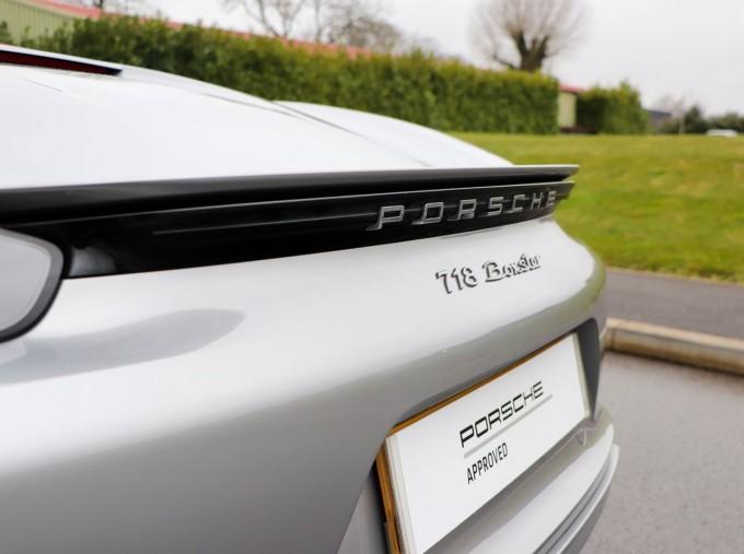 2018 Porsche PDK 2-door (Silver) - Image: 24
