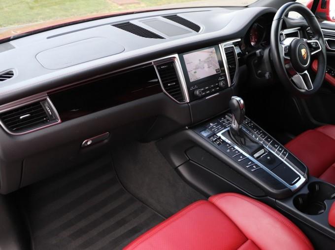 2017 Porsche TD V6 S PDK 4WD 5-door (Red) - Image: 3