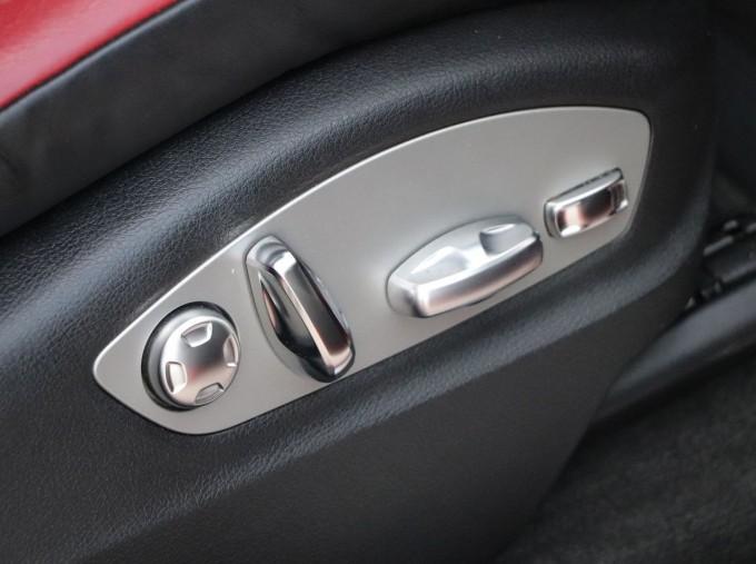 2017 Porsche TD V6 S PDK 4WD 5-door (Red) - Image: 14