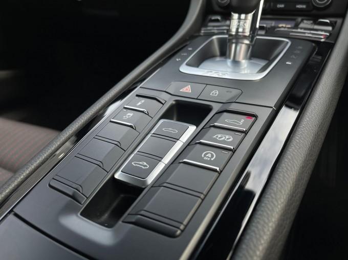2019 Porsche T PDK 2-door (Black) - Image: 15