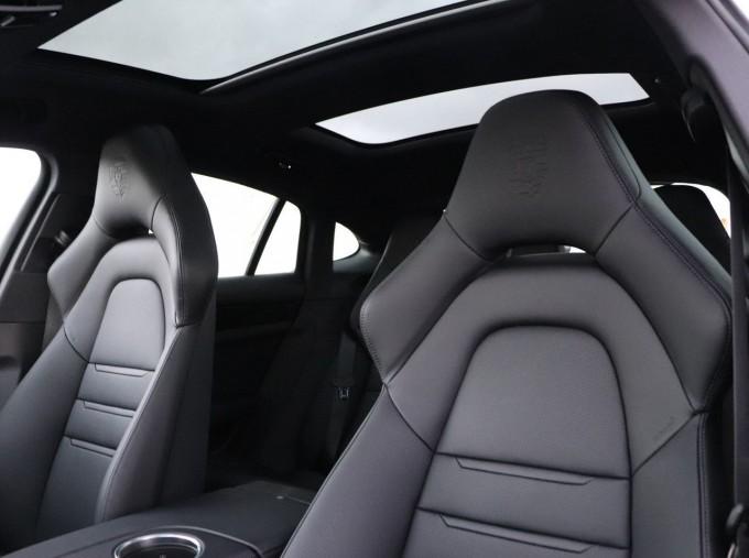 2021 Porsche V6 4 PDK 4WD 4-door (White) - Image: 10