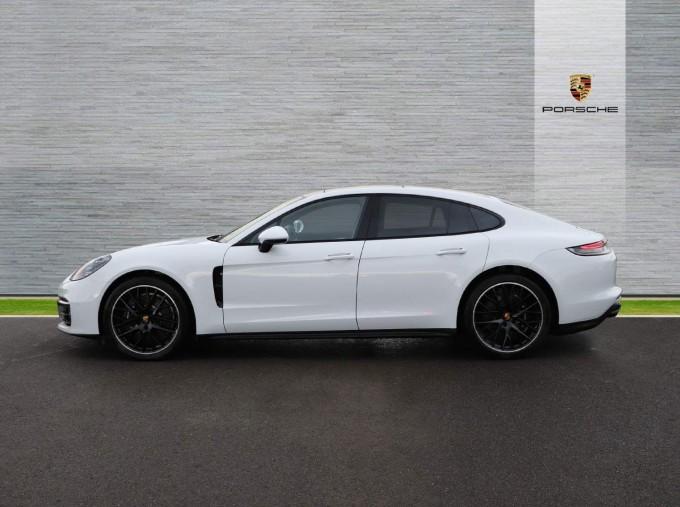 2021 Porsche V6 4 PDK 4WD 4-door (White) - Image: 26