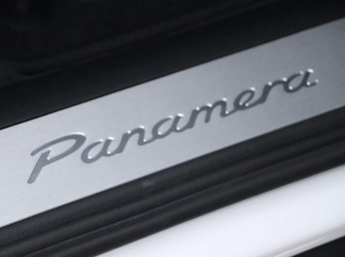 2021 Porsche V6 4 PDK 4WD 4-door (White) - Image: 37
