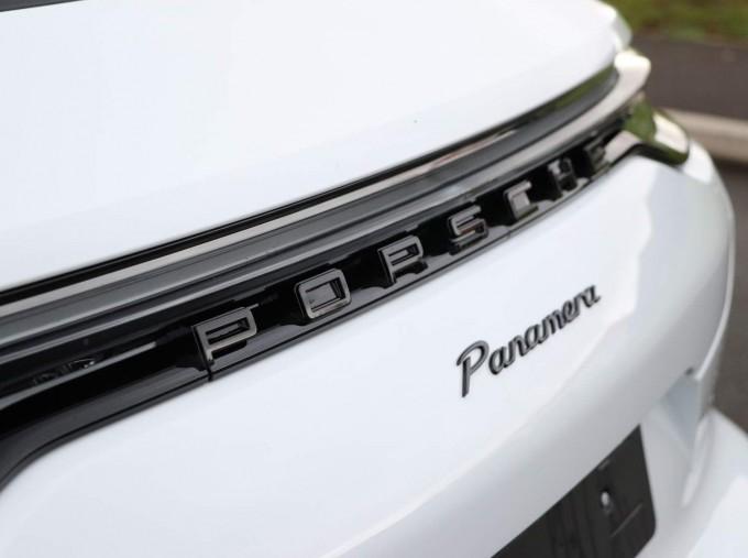 2021 Porsche V6 4 PDK 4WD 4-door (White) - Image: 42
