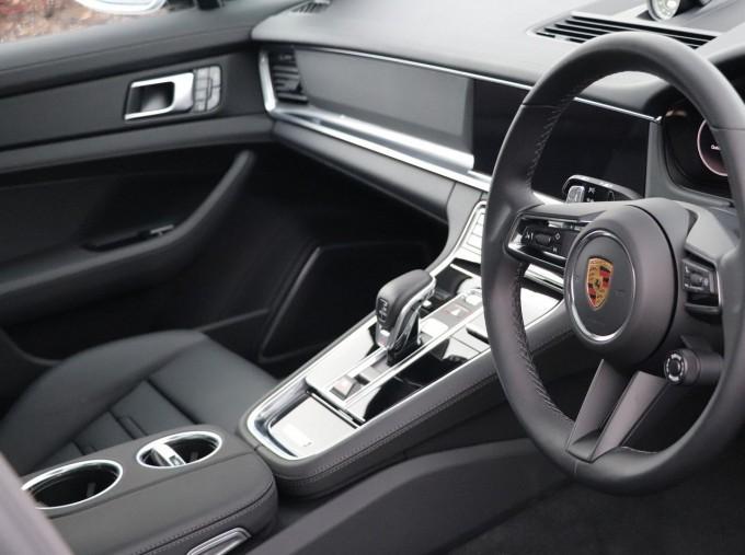 2021 Porsche V6 E-Hybrid 14kWh 4 PDK 4WD 4-door (Silver) - Image: 9