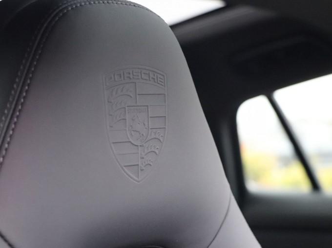 2021 Porsche V6 E-Hybrid 14kWh 4 PDK 4WD 4-door (Silver) - Image: 11