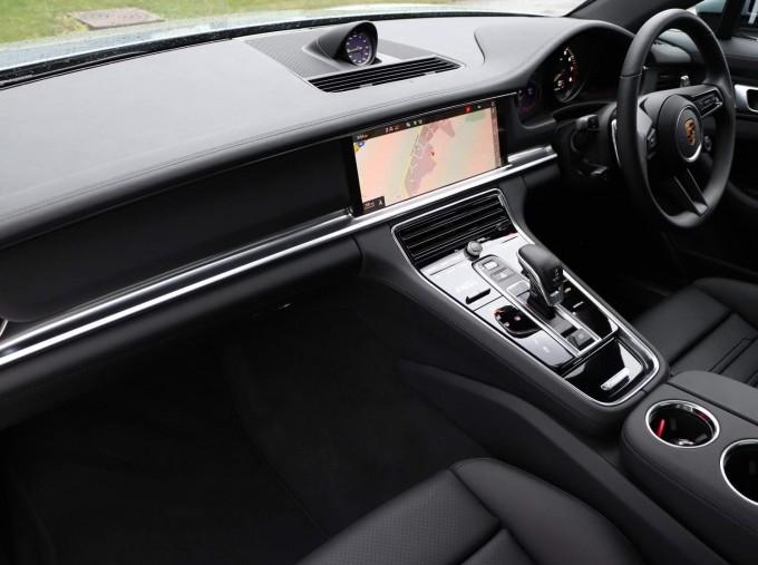 2021 Porsche V6 E-Hybrid 14kWh 4 PDK 4WD 4-door (Silver) - Image: 22