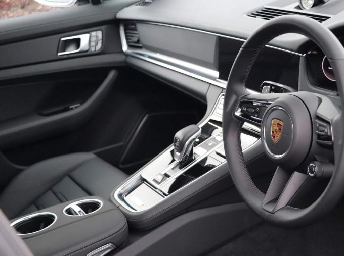 2021 Porsche V6 E-Hybrid 14kWh 4 PDK 4WD 4-door (Silver) - Image: 28