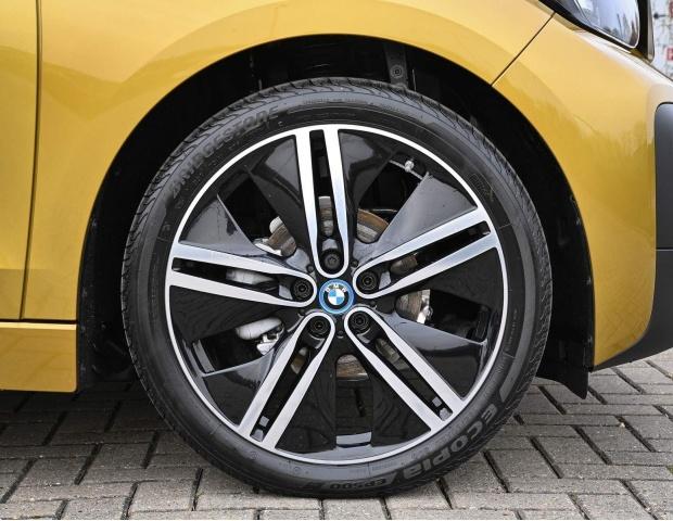 2021 BMW 42.2kWh Auto 5-door (Gold) - Image: 5