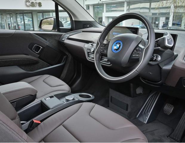 2021 BMW 42.2kWh Auto 5-door (Gold) - Image: 13