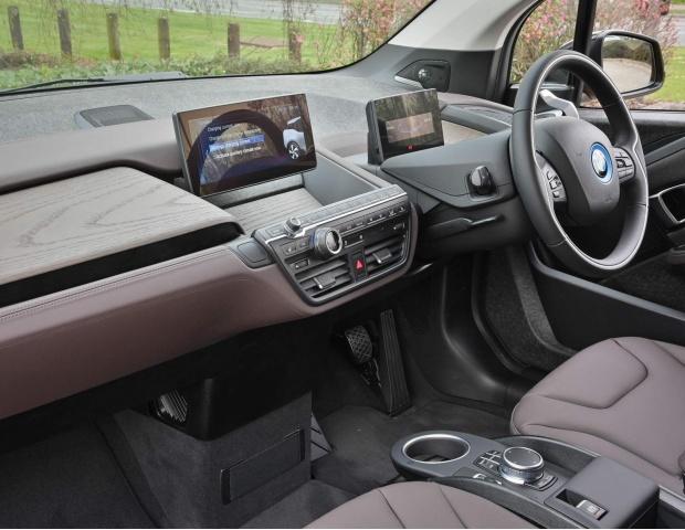 2021 BMW 42.2kWh Auto 5-door (Gold) - Image: 32