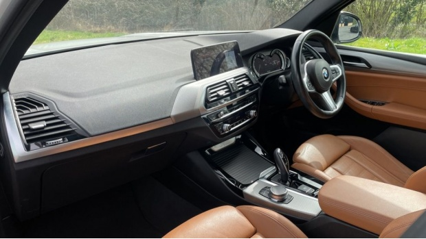 2017 BMW XDrive20d M Sport (White) - Image: 7