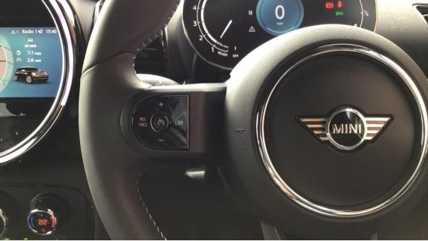 2021 MINI Cooper Exclusive (Silver) - Image: 17