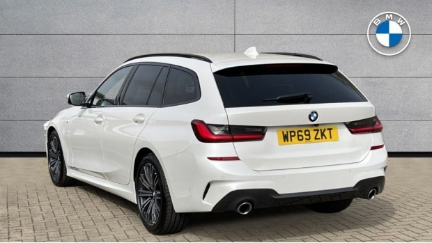 2020 BMW 320d M Sport Touring (White) - Image: 2