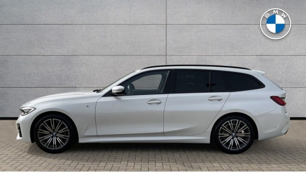 2020 BMW 320d M Sport Touring (White) - Image: 3