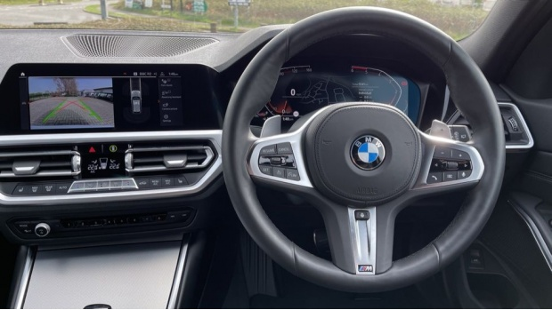 2020 BMW 320d M Sport Touring (White) - Image: 5