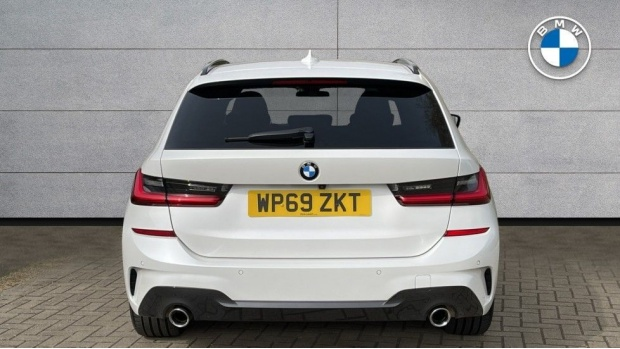 2020 BMW 320d M Sport Touring (White) - Image: 15