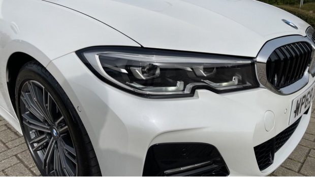 2020 BMW 320d M Sport Touring (White) - Image: 23